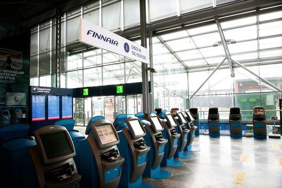 Autio Helsinki-Vantaan lentoasema.
