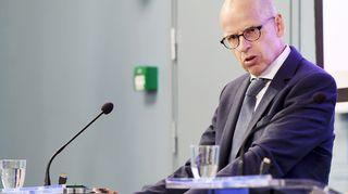 Valtiovarainministeriön kansliapäällikkö Martti Hetemäki tiedotustilaisuudessa Helsingissä 8. toukokuuta.