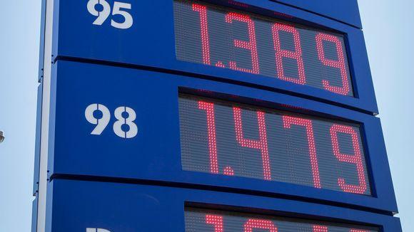 hintapylväs bensa-asemalla