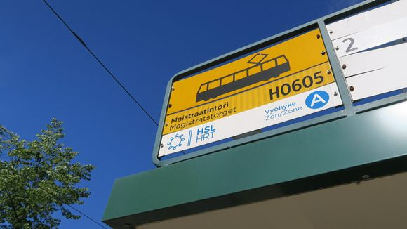 Maistraatintorin ja Kyllikinportin raitiovaunupysäkkien välillä on miltei näköyhteys.