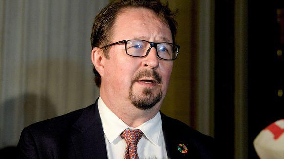 THL:n johtaja Mika Salminen ministereiden tiedotustilaisuudessa Säätytalon portailla Helsingissä 11. syyskuuta.