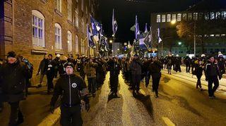 Pohjoismaisen vastarintaliikkeen marssi Helsingissä itsenäisyyspäivänä 2017.