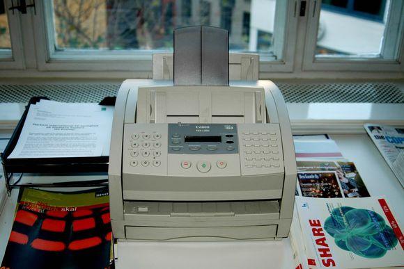 Kuvassa on faksi.