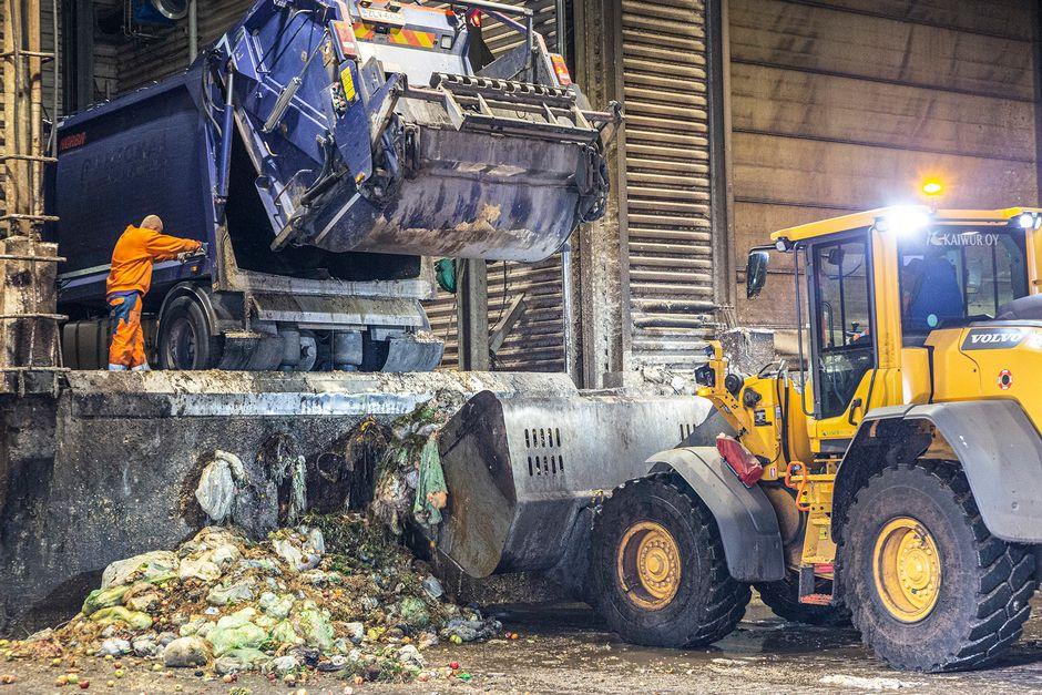 Biojätteen keräyspaikka Ämmässuon jätteenkäsittelylaaitoksella Espoossa