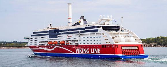 Viking Grace -alus kuvattuna Maarianhaminan lähellä.