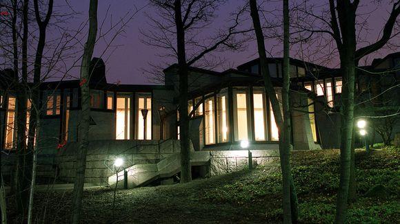 Presidentin virka-asunto Mäntyniemi.