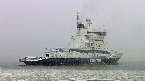 Kontio-jäänmurtaja merellä.