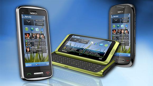 Nokian älypuhelinmallit C6, E7 ja C7.