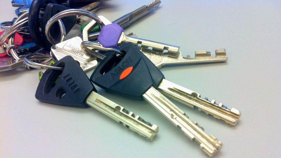 stranger danger keys to private apartments regularly go
