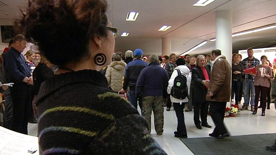 hursti joulu 2018 Long queues at Christmas event for the needy | Yle Uutiset | yle.fi hursti joulu 2018