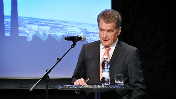 Presidentti Sauli Niinistö pitämässä puhetta.