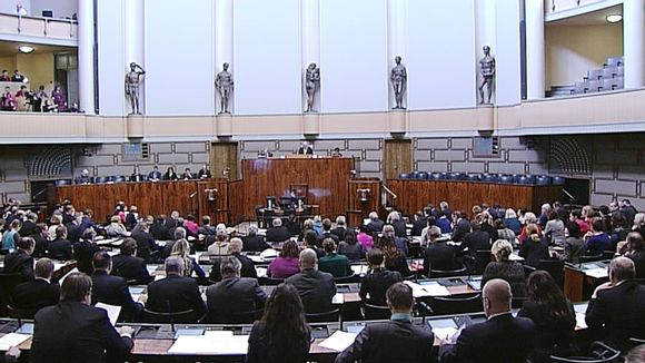 Eduskunnan täysistunto.
