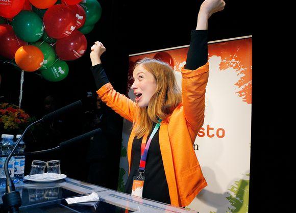Li Andersson vasemmiston puoluekokouksessa Oulussa
