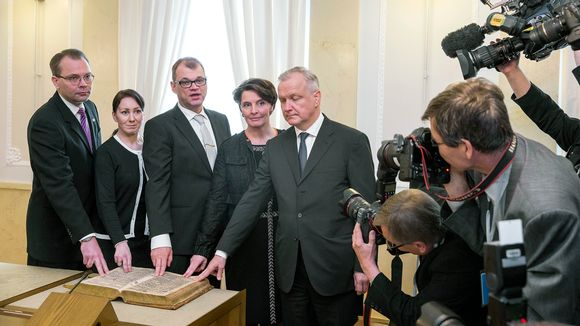 Jussi Niinistö, Hanna Mäntylä, Juha Sipilä, Anne Berner ja Olli Rehn