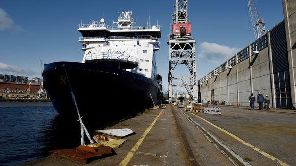 Jäänmurtaja Polaris kuvattuna Artechin telakalla Helsingissä.