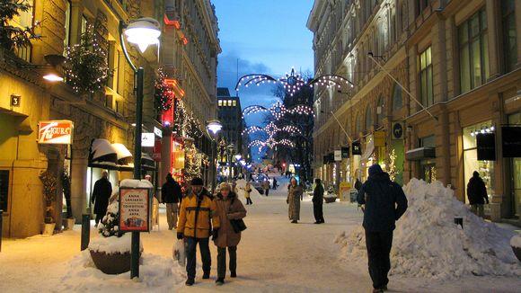 Katukuva talvisesta Helsingistä.