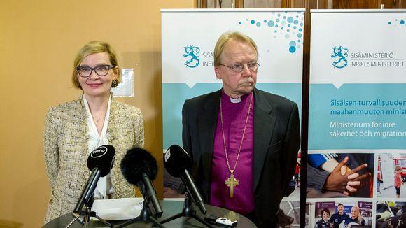 Paula Risikko ja Kari Mäkinen.