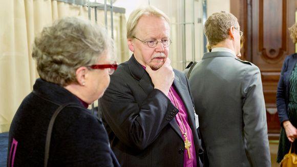 Irja Askola ja Kari Mäkinen.