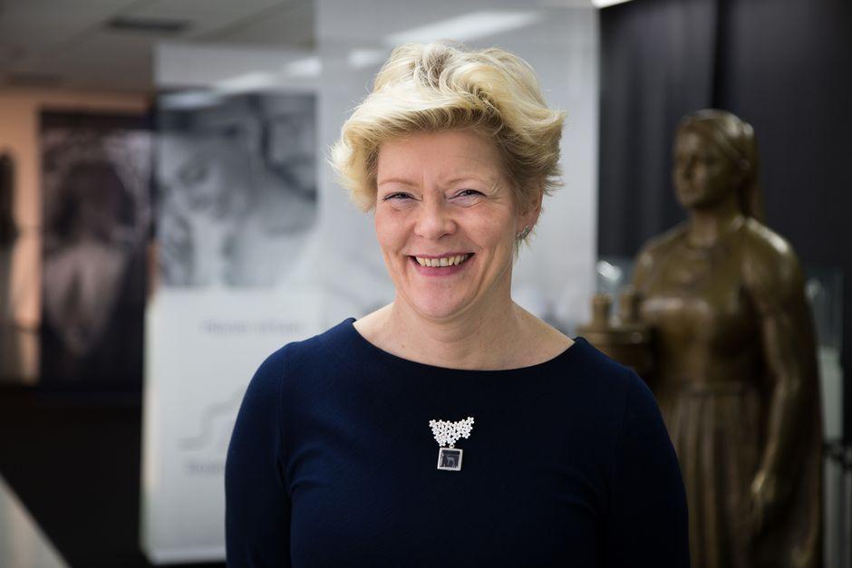 Toimitusjohtaja Riitta Huuhtanen.
