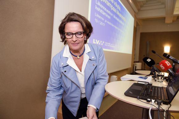 Anne Berner liikenneverkkoyhtiön selvityksen julkaisutilaisuudessa Helsingissä.