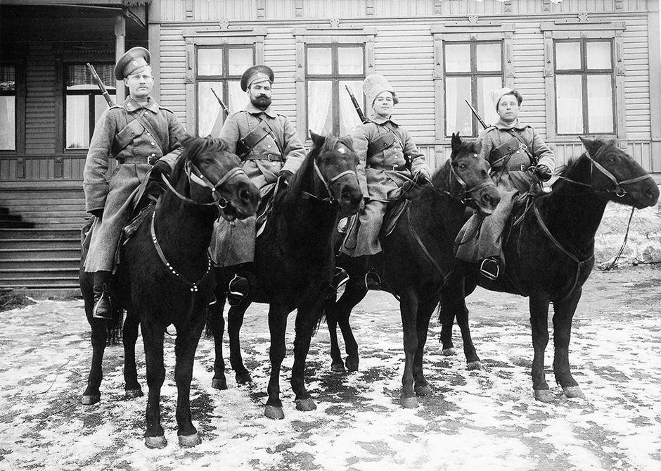 Venäläisiä kasakoita Kyläsaaren asemalla lähellä Poria.