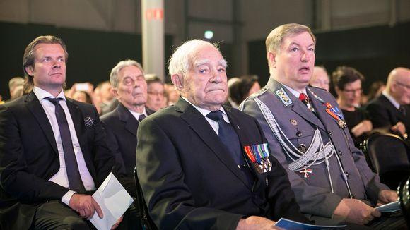 Veikko Punakallio (kesk.) osallistui Kansalliseen veteraanipäivään Lahdessa 27. huhtikuuta.