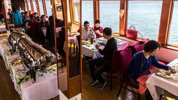 kiinalaisturisteja risteilyllä