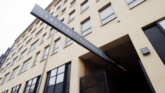 Teatterikorkeakoulun sisäänkäynti Helsingissä.