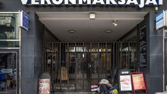 Näkymä Veronmaksajain Keskusliitto ry:n edustalta Helsingissä vappupäivänä 2015.