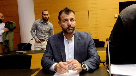 Lelusalakuljettajana tunnetun Rami Adhamin epäiltyä pahoinpitelyä käsiteltiin Helsingin Käräjäoikeudessa 20. kesäkuuta 2017.