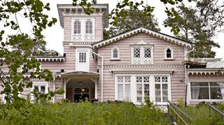 Hotelli Punkaharju on alunperin rakennuttanut tsaari Nikolai I vuonna 1843.