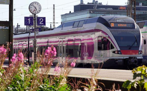 lähijuna asemalla