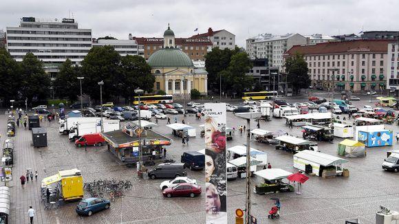 Turun kauppatori lauantaina 19. elokuuta 2017. Turun keskustassa puukotettiin useita ihmisiä perjantaina 18. elokuuta.