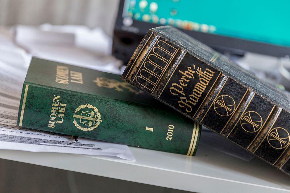 Raamattu ja lakikirja