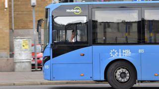 Nobinan bussi liikenteessä.
