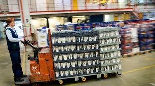 Täytyykö valtion valmistaa viinaa? Valtiollisen alkoholiyhtiön Altian pörssilistautumista on uumoiltu jo pitkään. Kuvassa Rajamäen viinatehdas.
