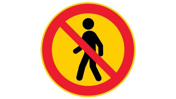 jalankulku kielletty uusi liikennemerkki.