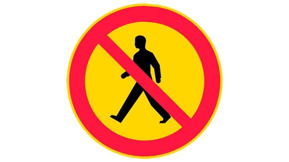 jalankulku kielletty vanha liikennemerkki.