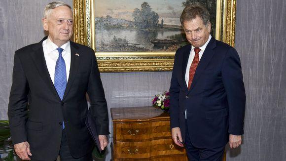 Puolustusministeri James Mattis ja Sauli Niinistö