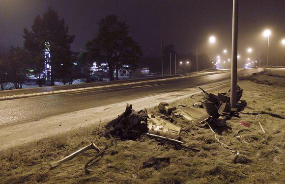Porissa kaksi ihmistä on kuoli kolarissa myöhään lauantaina-iltana 25.marraskuuta