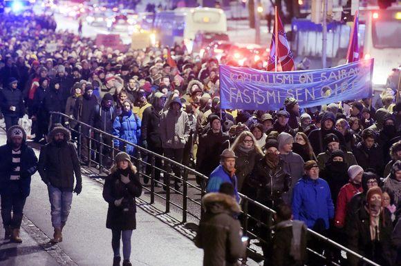 Helsinki ilman natseja -mielenosoitus Helsingissä itsenäisyyspäivänä.