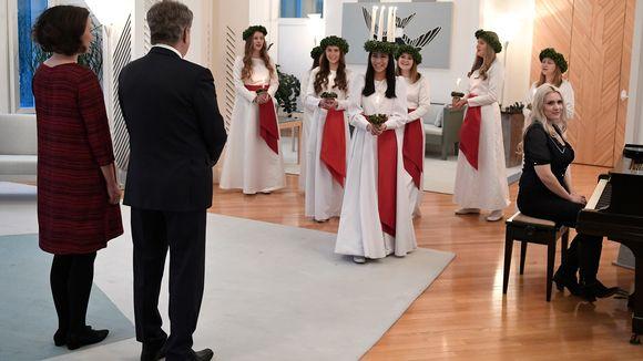 Presidentti Sauli Niinistö ja puoliso rouva Jenni Haukio vastaanottavat perinteiset joulutervehdykset Mäntyniemessä 19.joulukuuta.