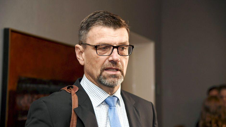 Верховный суд приговорил генерального прокурора к выплате штрафа за превышение служебных полномочий