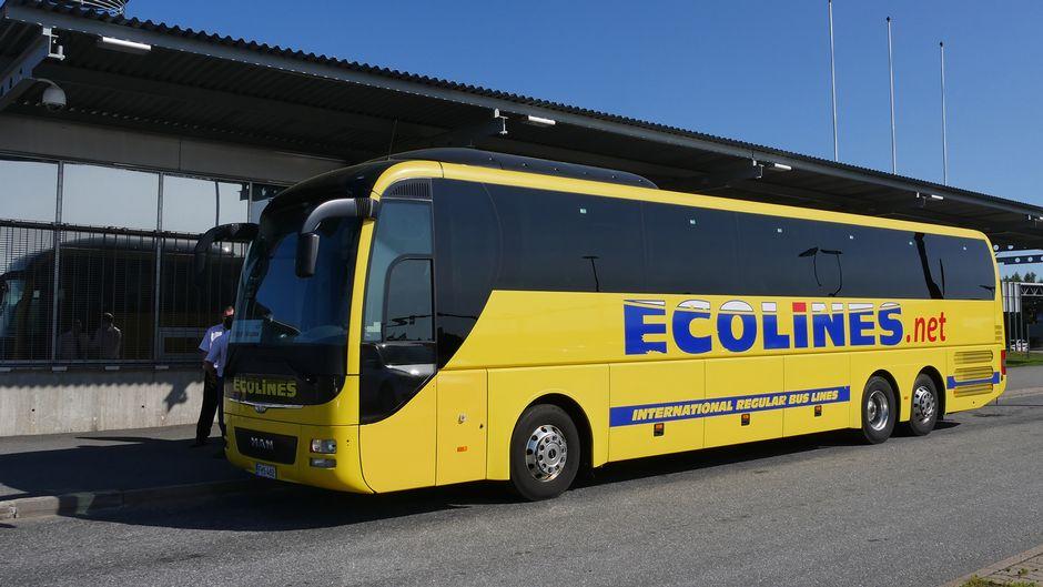 Ecolines bussi Vaalimaan raja-asemalla 25.07.2019