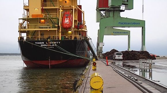 M/S Thor Liberty -alus Kotkan satamassa.