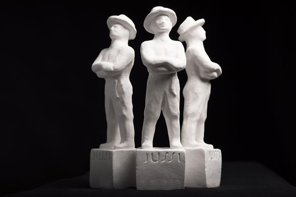 Jussi-patsaat