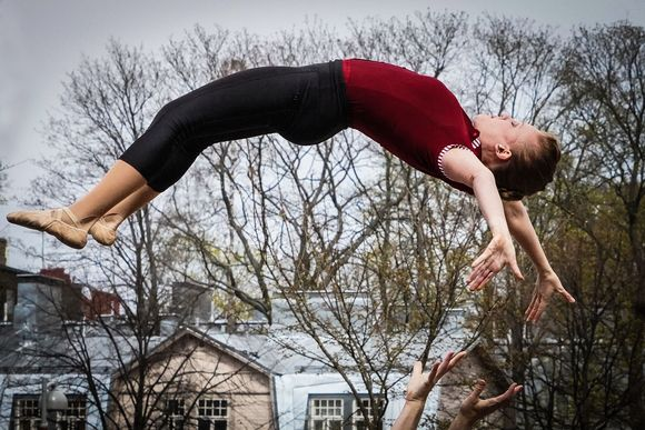 Kate & Pasi, Katerina Repponen, sirkus akrobatia