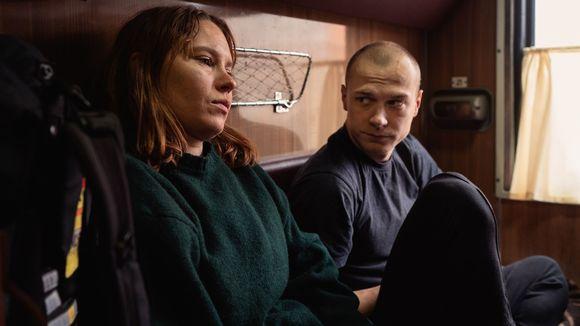 Näyttelijät Seidi Haarla ja Juri Borisov elokuvassa Hytti nro 6