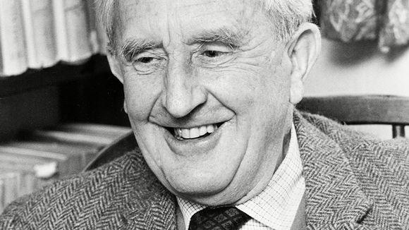 J. R. R. Tolkien vuonna 1966.
