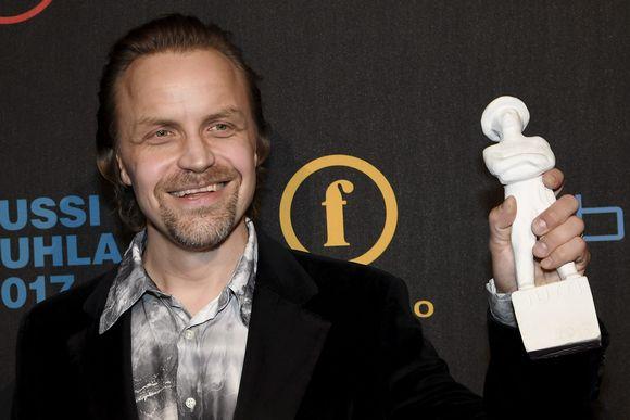 Paras miessivuosa Jussi-patsaan vastaanotti Jani Volanen elokuvasta Jättiläinen Jussi-gaalassa